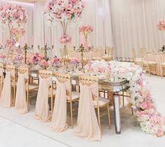 Glamorous Blush Wedding Ideas to Inspire - blush bridal bouquet; Loove Photography via French Wedding Style Wedding Chairs, Wedding Reception Decorations, Wedding Centerpieces, Wedding Table, Luxury Wedding, Gold Wedding, Dream Wedding, Wedding Day, Wedding Ceremony