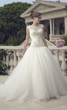 Romantic!love this lace wedding dresses