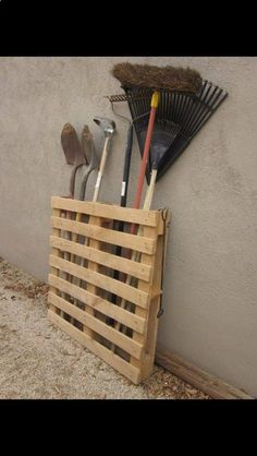 Simple way to keep tools organized.