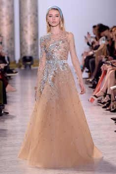 He's known for his out of this world creations, and today Lebanese designer Elie Saab wowed with another fairytale collection at Paris Haute Couture Fashion Week. Couture Week, Couture Mode, Spring Couture, Style Couture, Couture Fashion, Elie Saab Couture, Haute Couture Paris, Fashion 2017, Runway Fashion