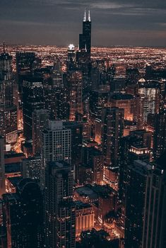 Night Aesthetic, City Aesthetic, Travel Aesthetic, Aesthetic Backgrounds, Aesthetic Wallpapers, Dark City, City Vibe, Nyc Life, City Wallpaper
