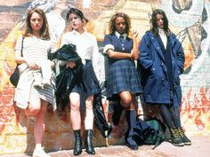 Introducing the 25 most memorable fashion moments of the '90s: The Craft (1996)