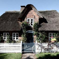 Eines der vielen Reetdachhäuser auf Föhr, © Föhr Tourismus GmbH