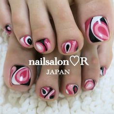 Pedicure: pink, black and white design Nails Only, Love Nails, How To Do Nails, Pretty Nails, Pretty Toes, Crazy Nail Designs, Toe Nail Designs, Beautiful Nail Designs, Beautiful Toes