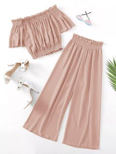 To find out about the Plus Off-shoulder Shirred Blouse & Pants at SHEIN, part of our latest Plus Size Co-Ords ready to shop online today! Cute Casual Outfits, Cute Girl Outfits, Cute Summer Outfits, Pretty Outfits, Stylish Outfits, Girls Fashion Clothes, Teen Fashion Outfits, Cute Fashion, Outfits For Teens