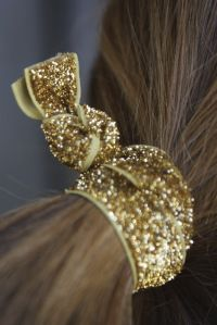 Lovely hair tie from Bon dep Hair Ties, Druzy Ring, Rings, Jewelry, Fashion, Hair Bows, Jewellery Making, Moda, Jewerly