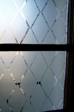 Front door - frosted glass - DIY - Do It Yourself Window Frosting with Con-Tact brand clear adhesive liner! Beautiful, Easy and Cheap! Frosted Glass Door Bathroom, Frosted Glass Window, Glass Doors, Garage Windows, Front Doors With Windows, Huge Windows, Bathroom Window Curtains, Bathroom Windows, Bath Window