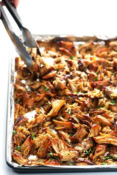 Crispy Slow Cooker Carnitas -- This favorite Mexican pork recipe is surprisingly easy to make in the crock pot, and it's perfectly tender, juicy, crispy Slow Cooker Carnitas, Slow Cooker Pork, Slow Cooker Recipes, Crockpot Recipes, Cooking Recipes, Healthy Recipes, Crockpot Dishes, Roast Recipes, Yummy Recipes
