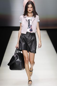See the complete Emporio Armani Spring 2016 Ready-to-Wear collection.