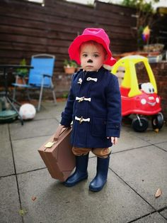 My son dressed as Paddington Bear for a Halloween party Easy Book Week Costumes, Epic Costumes, Book Costumes, World Book Day Costumes, Bear Fancy Dress, Fancy Dress For Kids, Kids Dress Up, Book Character Day, Character Dress Up