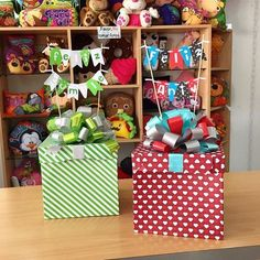 Combina tus cajas a tu gusto! Birthday Box, Birthday Gifts, Happy Birthday, Diy Gift Box, Diy Gifts, Ideas Aniversario, Candy Bouquet, Ideas Para Fiestas, Party In A Box