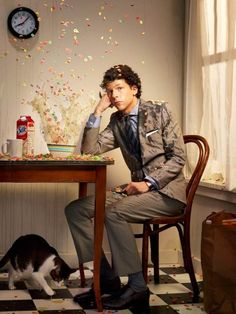 """Funny Celebrities portraits by   Martin Schoeller. I confess that I don't even know some of these """"celebrities"""" but the photos are really fun !!!"""