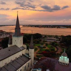 St Louis Cathedral overlooking Mississippi River - New Orleans Louisiana Homes, New Orleans Louisiana, Louisiana History, Mardi Gras, St Louis Cathedral, Landscape Arquitecture, Visit New Orleans, Crescent City, Canada