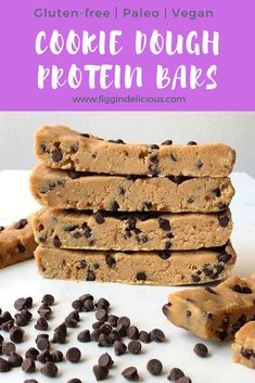 Cookie Dough Protein Bars 1 cup almond cup cashew cup pea protein cup milk of choice tbsp tbsp coconut oil tsp vanilla extract cup mini chocolate chips ⁣⁣ Line a bread pan with Protein Brownies, Vegan Protein Cookies, Protein Powder Cookies, Paleo Protein Bars, Protein Mug Cakes, Protein Cookie Dough, Cookie Dough Bars, Protein Pudding, Vegan Cookie Dough