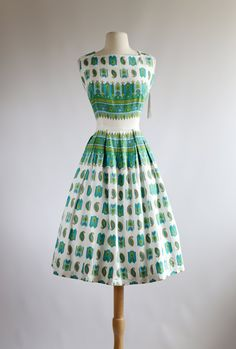Vintage 1950s Border Print Dress ~ 50s Cotton Sundress with Full Skirt ~ Waist 30 by xtabayvintage on Etsy