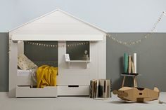 A house cabin bed co
