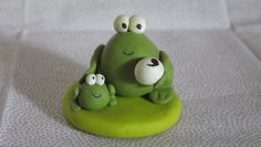 fimo mother and baby frogs cake topper £3.50
