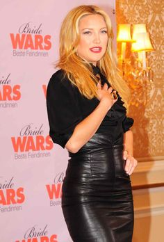 Only Leather: Photo Latex Skirt, Leather Fashion, Leather Outfits, Leather Skirts, Gwyneth Paltrow, Celebs, Celebrities, Daily Fashion, Fashion Photo