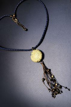 Collar Cuero trenzado y piedra natural
