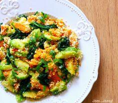 Pyszna sałatka z kuskusem, dynią i brokułami
