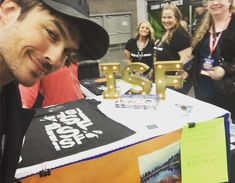 Ian Somerhalder - 15/04/18 - Portland thank you for being so engaged and kind to the @isfofficial booth, BOOTH 312! Please stop by and share, buy and laugh. Thank you @wizardworld #wizardworld for making it all happen. Veronica, I'm so bummed this is the only photo I got- you're hiding behind me! https://www.instagram.com/p/Bhm3ixug7_e/