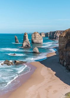 Would you like to visit the world with out breaking the bank? Read this epic list from the 35 cheapest countries to visit in 2020 for an exciting vacation. Outback Australia, Australia Tours, Visit Australia, Melbourne Australia, Australia Travel, Western Australia, Beautiful Places To Travel, Cool Places To Visit, Australia Honeymoon
