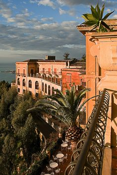 San Domenico Palace Hotel in Taormina, Messina, Sicily, Italy. Places Around The World, Travel Around The World, Around The Worlds, Siena Toscana, Places To Travel, Places To See, Travel Destinations, Terre Nature, Taormina Sicily
