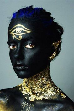 Just neck and ear without the third eye Maquillage Halloween, Halloween Makeup, Egyptian Makeup, Egyptian Fashion, Fantasy Make Up, Make Up Art, Special Effects Makeup, Fx Makeup, Foto Art