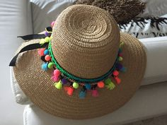 (notitle) – Claudia Figueroa – Join in the world of pin Hippie Shoes, Boho Hippie, Tea Hats, Hawaii Outfits, Boho Hat, Floppy Hats, Leather Hats, Diy Hat, Summer Hats