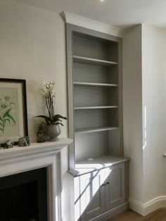 Stylish classic Alcove Unit in Fulham Alcove Storage Living Room, Living Room Built In Cabinets, Bedroom Alcove, Alcove Cupboards, Living Room Built Ins, Living Room Shelves, Home Living Room, Alcove Wardrobe, Alcove Bookshelves