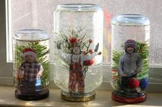 La magie des globe de neige! Enfant on pouvait les regarder des heures de temps! Avec des petits pots Mason on peut en bricoler de superbe! Pour presque rien, et en quelques étapes faciles! Un autre beau cadeau à mettre dans le bas de Noël! VOUS AURE