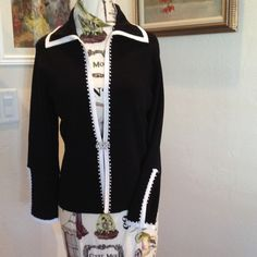 Black with white trim Vertigo Paris sweater Elegant Black knit with white trim and beads Vertigo Paris sweater Vertigo Paris Sweaters