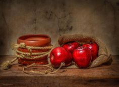 Red apples by Margareth Photography on 500px
