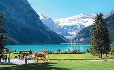 O azul desconcertante do Lake Louise, no canadense Parque Nacional de Banff