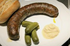 Hurka sütése Hungarian Recipes, Charcuterie, Food Network, Sausage, Food And Drink, Bacon, Cooking Recipes, Desserts, Drinks