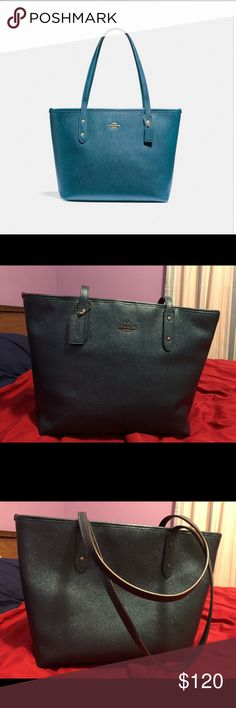 "Coach City Zip Tote *Zipper does not close* I've only had this bag for a few months, I purchased it from coach myself. I hardly ever zip my bag so I just realized the zipper doesn't close. It's attached and looks perfectly fine, you just can't get it to zip up.  But this is still a new style of coach bag, in great condition, at a reasonable price.  No signs of wear.  Crossgrain leather Inside zip, cell phone and multifunction pockets fabric lining Handles with 10"" drop 11 3/4"" (L) x 10 1/2""…"
