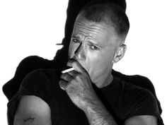 Bruce Willis in Still married to his Wife Emma Heming? Does Bruce Willis have tattoos? Does he smoke? Bruce Willis, Bald Actors, Celebrity Smokers, Thank You For Smoking, Smoking Celebrities, Celebridades Fashion, Hard To Love, Important People, Good Looking Men