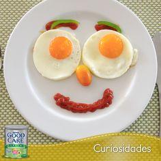 Presenta de forma divertida los alimentos de tu pequeño, así los aceptará con más agrado. Para el desayuno, ¿qué tal una divertida cara de huevos estrellados? #breackfast #food #healthy #kids #baby #eggs #funny