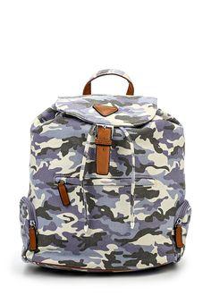 Камуфляжный женский городской рюкзак от Marc Johnson выполнен из плотного текстиля. Детали: застежка на магнит и кулиску; текстиль. Ссылка на карточку товара — http://fas.st/fsY-d