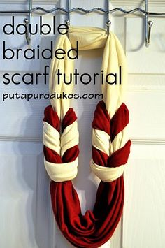 Up Your Dukes: double braided scarf tutorial the DOUBLE braid scarf tutorial. yes its mine. i have no shame.the DOUBLE braid scarf tutorial. yes its mine. i have no shame. Loop Scarf, Circle Scarf, Fringe Scarf, Scarf Wrap, Scarf Tutorial, Diy Tutorial, Tutorial Sewing, Diy Vetement, Tie A Scarf