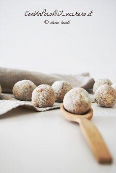Gnocchetti di pane e caciocavallo: https://conunpocodizucchero.wordpress.com/2015/01/21/vellutata-dinverno-con-gnocchetti-di-pane-e-caciocavallo/