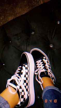 zapatillas para andar Coffin Nails coffin nails meaning Sneakers Mode, Sneakers Fashion, Sneakers Workout, Vans Sneakers, Fashion Shoes, Mode Outfits, Fashion Outfits, Mom Fashion, Fashion Beauty