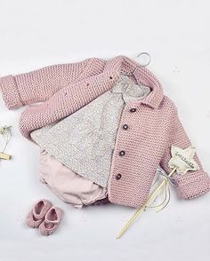 Baby Knitting Patterns Sweaters 847 Likes, 18 Comments – Moda Infantil Made In Spain Baby Knitting Patterns, Knitting For Kids, Baby Patterns, Knitted Baby Cardigan, Knit Baby Sweaters, Crochet Jacket, Baby Knits, Baby Girl Jackets, Handmade Baby