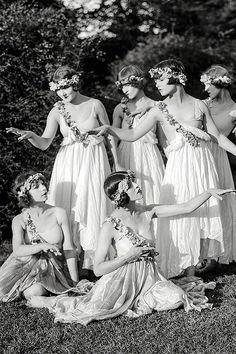 Denishawn dancers, among them the modern dance pioneers Louise Brooks and Martha Graham, 1920