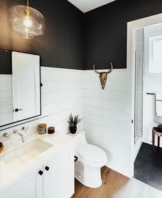 Bathroom suggestions, bathroom remodel, master bathroom decor and master bathroom organization! From claw-foot tubs to shiny fixtures, these are the master bathroom that inspire me the most. Shiplap Bathroom, Bathroom Renos, Bathroom Flooring, Small Bathroom, Tile Flooring, Bathroom Ideas, Master Bathrooms, Bathroom Inspo, Condo Bathroom