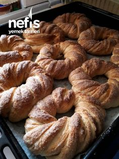 Tarçınlı- Tereyağlı Çörek (Tel Tel Açılan) Healthy Eating Tips, Healthy Nutrition, Snack Recipes, Snacks, Butter, Food Words, Vegetable Drinks, Sweet Bread, Pain