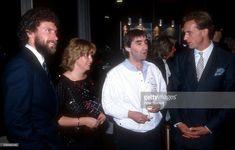 'Paul Breitner, Chris de Burgh, Karl-Heinz Rummenigge, ARD-Gala ''Sportler des Jahres 1984'' am in München, Deutschland. (Photo by Peter Bischoff/Getty Images)'