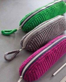 Pontus Pencil Case By MillaMia Digital Version - Bags and Purses 👜 Crochet Pencil Case, Pencil Case Pattern, Crochet Pouch, Pencil Case Tutorial, Mode Crochet, Crochet Gratis, Knit Or Crochet, Crochet Handbags, Crochet Purses