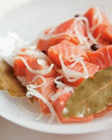 Cubes of smoky, buttery belly lox are pickled in a sweet-sour-salty brine to make this classic Jewish dish that can be served for breakfast or an appetizer. Trout Recipes, Salmon Recipes, Seafood Recipes, Game Recipes, Pickled Fish Recipe, Lox Recipe, Best Pickles, Sour Cream Sauce, Martha Stewart Recipes