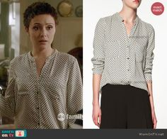 April's white polka dot blouse on Chasing Life.  Outfit Details: http://wornontv.net/44317/ #ChasingLife